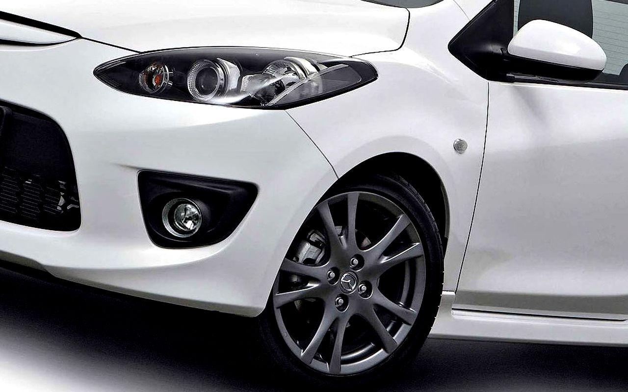 Mazda 2 Headlight And Front Wheel Wallpaper 1280x800