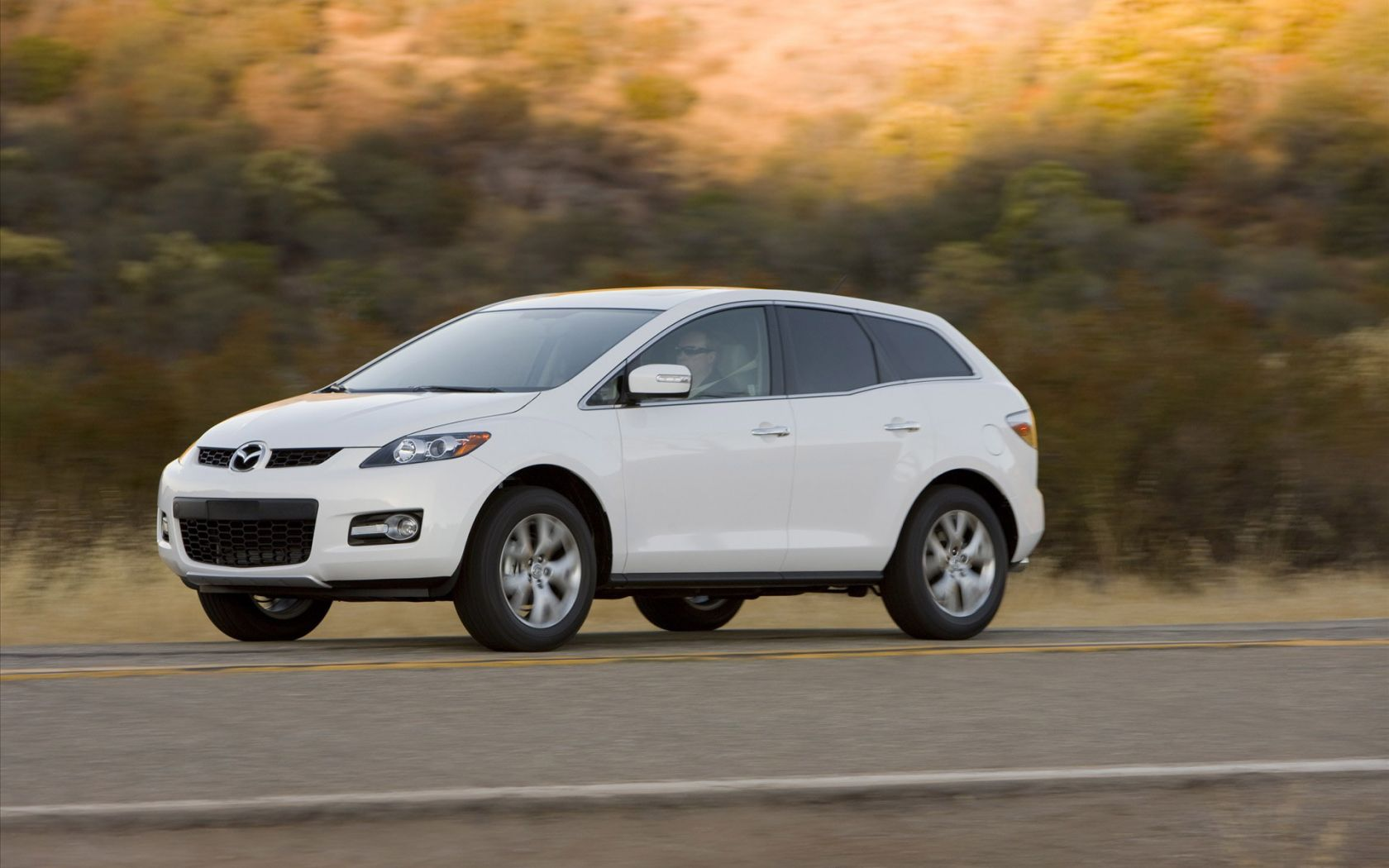 Mazda Cx7 White Side View Moving Wallpaper 1680x1050